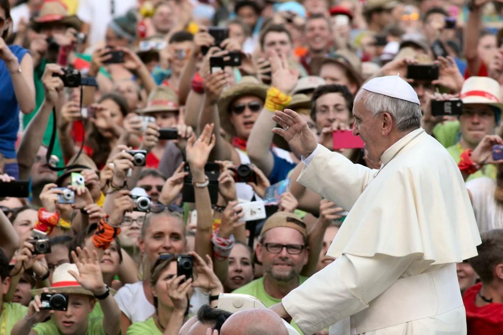 Rom, 5. August: Papst Franziskus begrüßte 50.000 Ministranten auf dem Petersplatz. Foto: Bistum Mainz / Matschak
