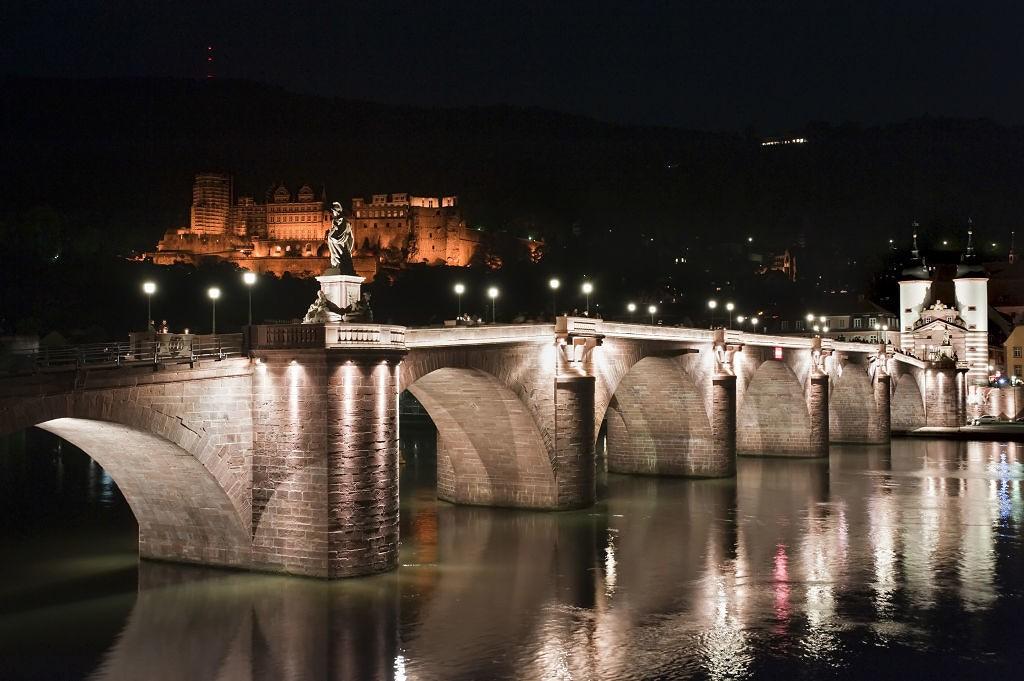 Heidelberg : Alte Brücke bei Nacht. Foto: Philipp Rothe / Heidelberg Marketing GmbH