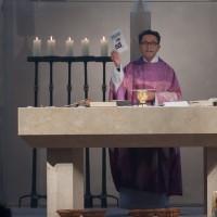 Pfarrer Catta weist auf die Sternsingeraktion hin