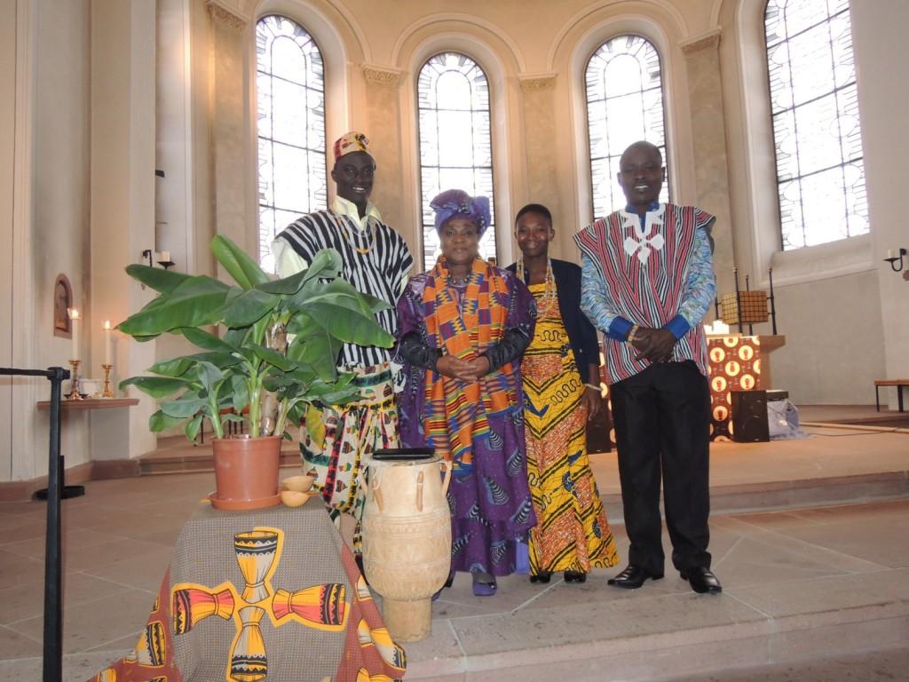 Bunt und weltweit - Missio-Gottesdienst in Sankt Georg